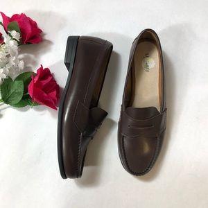 """Eastland """"Classic II"""" Women's Loafer Shoe"""
